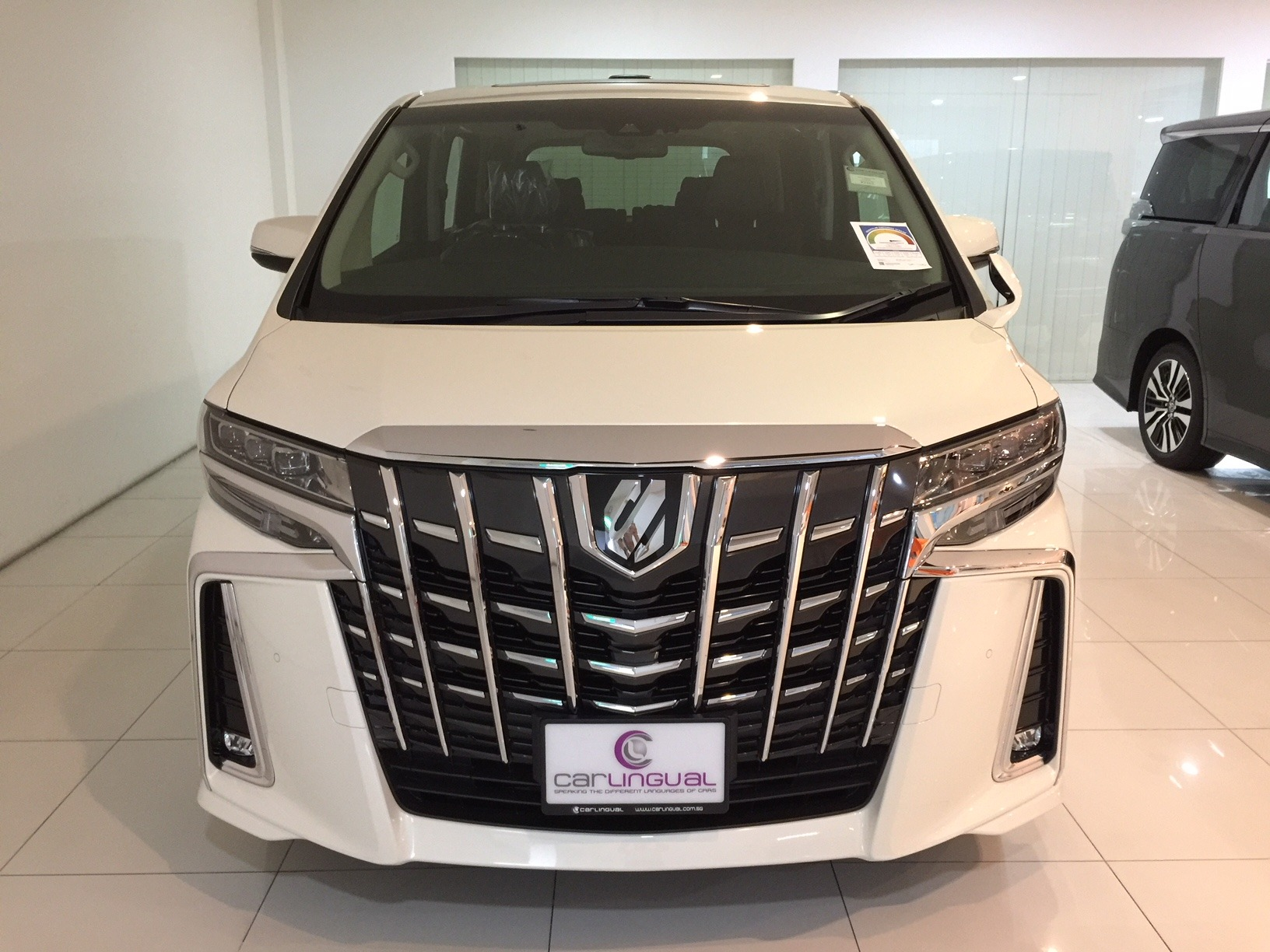 Toyota Alphard 2 5 Sc Package 7 Seater A Carlingual