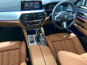 BMW 6 Series Gran Turismo 630i M-Sport full
