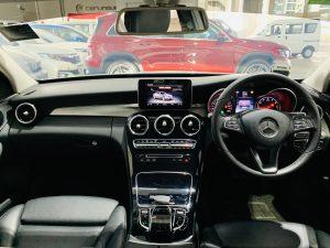 Mercedes-Benz C180 Avantgarde full