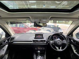 Mazda 3 1.5A Deluxe full